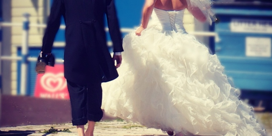 How To Enjoy Your Engagement And Worry Less About Planning The Wedding