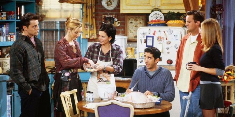 25 Ways FRIENDS Would Have Been Different If It Had Happened In The Age Of SocialMedia