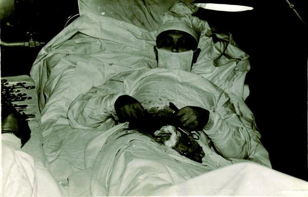 In 1962, A Man Removed His Own Appendix While Stationed InAntarctica
