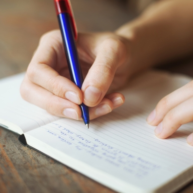 4 Reasons Why Everyone Should Journal