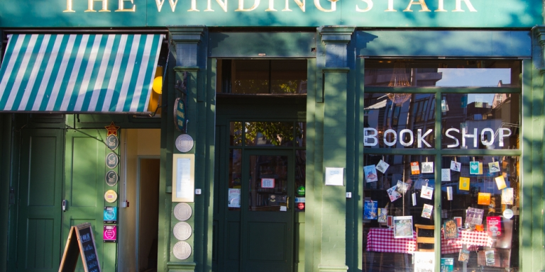 7 Reasons To Get In A Serious Relationship With Your LocalBookstore