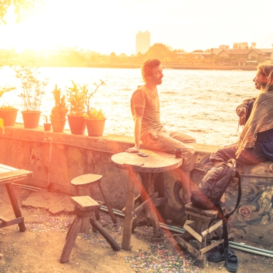 Why You Shouldn't Fall In Love With Your Best Friend