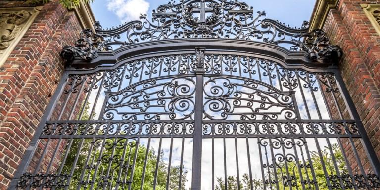 Harvard's Dirty Little Secret: The FinalClubs