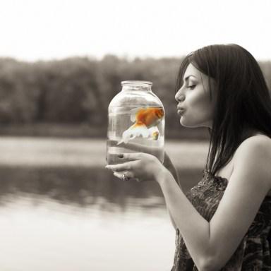 4 Ways Humans Flirt Like Fish