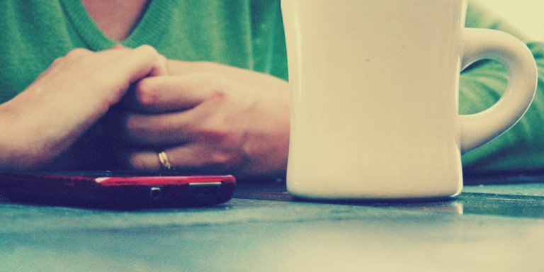 5 Ways A Cell Phone Could Be Destroying YourRelationship