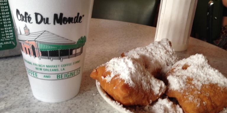 6 (Awesome) Things About Cafe Du Monde, Doughnuts, And NewOrleans