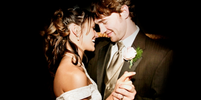 """19 Scientifically Proven Ways """"Love"""" Affects Our Bodies Like ADrug"""