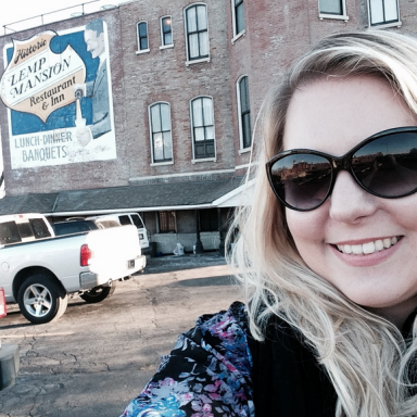 Live Blog: I'm Staying Overnight In One Of America's Most Haunted Houses