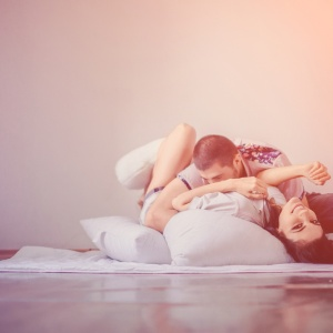 10 Completely Normal Couple Behaviors That Other People Think Are Totally Strange