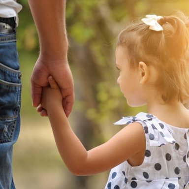 6 Lessons I've Learned About Love And Dating From Being A Daddy's Girl