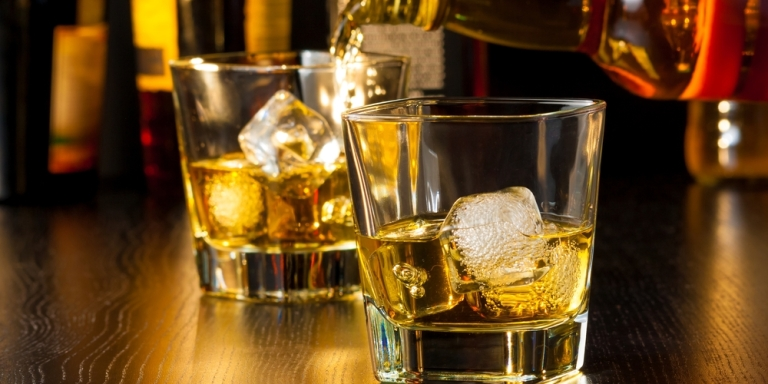 7 Attractive Qualities About Girls Who Drink Whiskey, According To ABartender