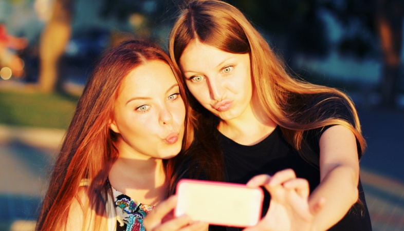 14 Things That Happen When Your Best Friend Is Your Cousin