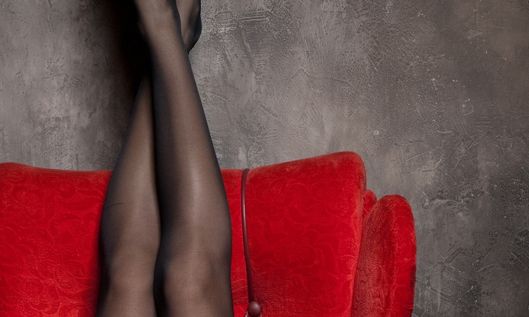 5 Reasons Girls Wear Black That Doesn't Make Them GothBitches