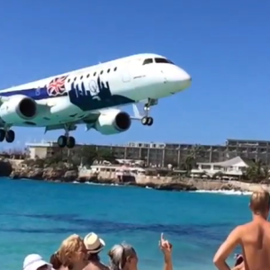 This Jet Landing Just Feet From A Public Beach Is The Stuff Of Nightmares