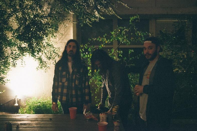 14_Dudes in the beerlight