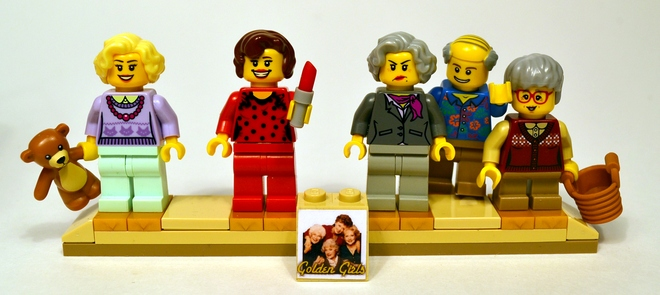 A Guy Recreated Golden Girls Scenes Out Of LEGOs And Now LEGO Might Actually Produce Them