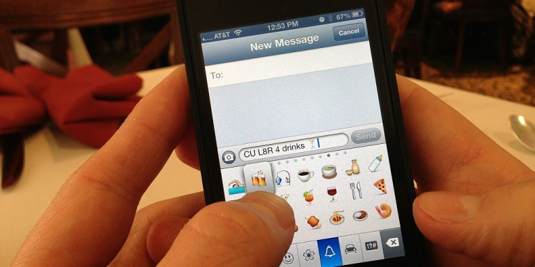 10 Extremely Annoying Texting Behaviors That Piss Everyone Off