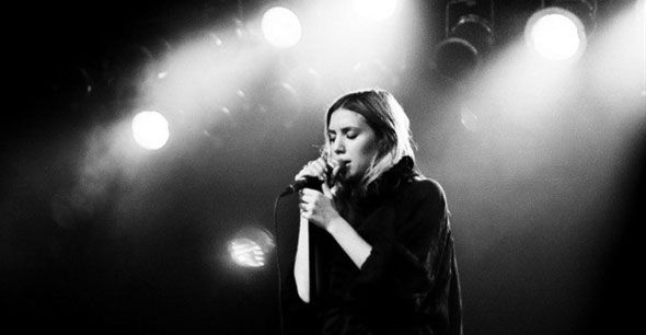 """Lykke Li Does A Soulful Rendition Of Drake's """"Hold On, We're Going Home"""" And It Is~Everything~"""