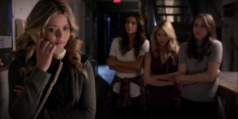 15 Things You Should Know Before Dating A 'Pretty Little Liars'Fan