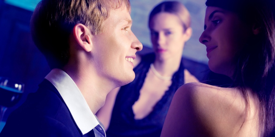 8 Easy Ways To Stop Jealousy From Destroying Your Relationship