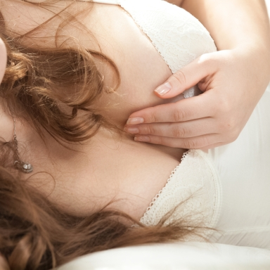 9 Sexy Reasons That Will Make All Guys Crave A Curvy Woman In The Bedroom