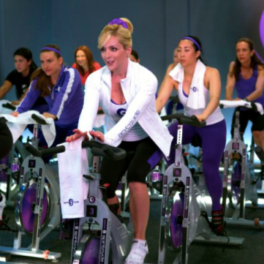 5 Reasons To Try A Group Fitness Class