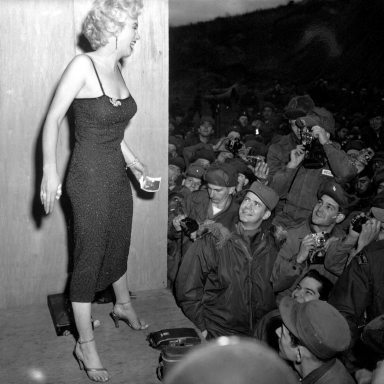 6 Style Lessons From Marilyn Monroe