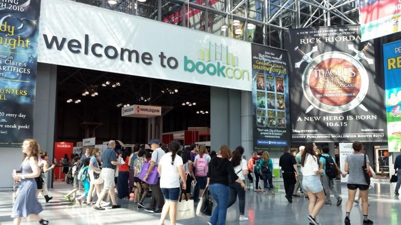 The curators arrive: Fans at the Jacob K. Javits Center in New York enter BookCon this weekend. Image: Porter Anderson