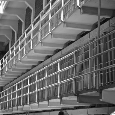 If You've Ever Wondered What Types Of Food Inmates Eat In Prison, You Need To Read This Right Now