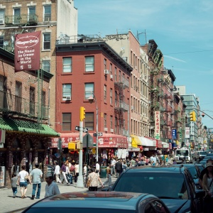 The Reason Why New York City's Chinatown Is Next To Little Italy