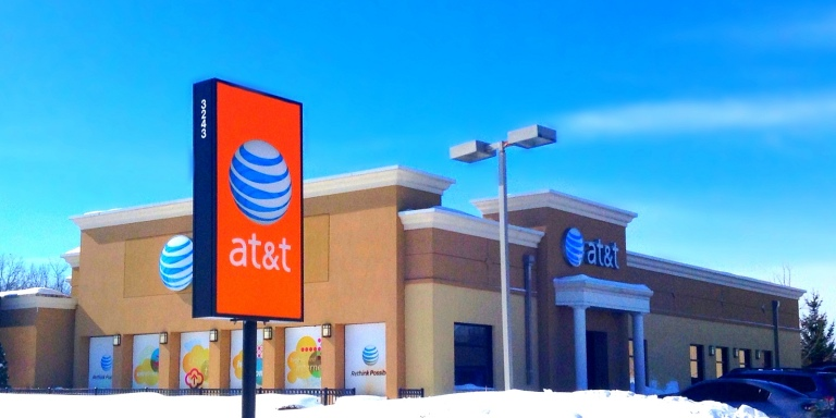 AT&T Got Hit With A $100 Million Fine By The FCC For Throttling Unlimited DataSpeeds