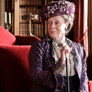25 Times Downton Abbey's Dowager Countess of Grantham Proved She's A Hilarious, Badass Lady