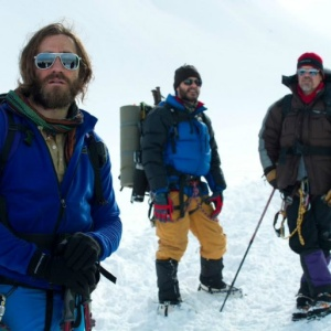 """Watch Josh Brolin And Jake Gyllenhaal In The Insane Trailer For """"Everest"""" Based On The 1996 Tragedy"""