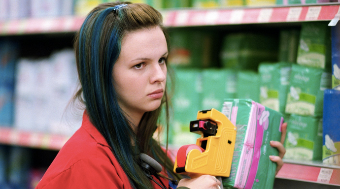 17 Hilarious Things Only People Who Have Worked In Retail Understand