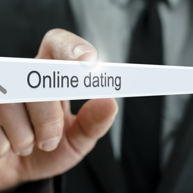 The 5 Stages Of Online Dating Everybody Goes Through