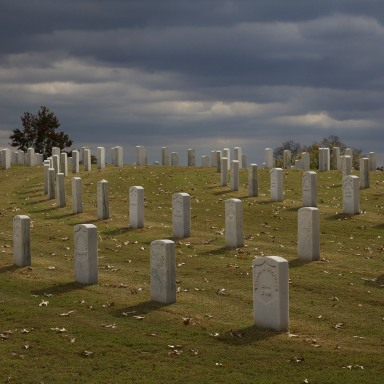 If You're Ever In Bowling Green, Kentucky, Don't Go Knocking Around Gravestones