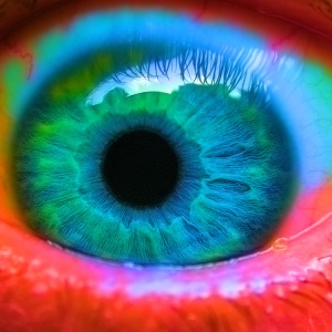 I Woke Up With A Sharp Pain In My Eye And What The Doctor Told Me Completely Freaked Me Out