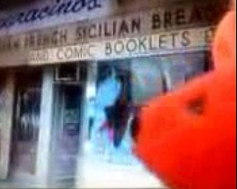 Williamsburg 30-Second Mystery Theatre: What Happened to Elmo's Cool ComicBooks?