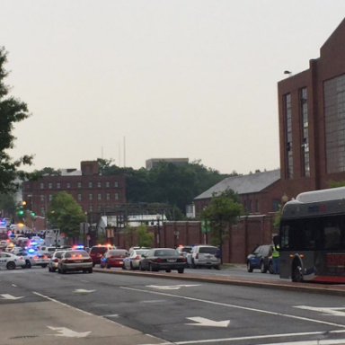 Washington DC's Navy Yard Is On Lockdown After 9-1-1 Call Reported A Possible Active Shooter
