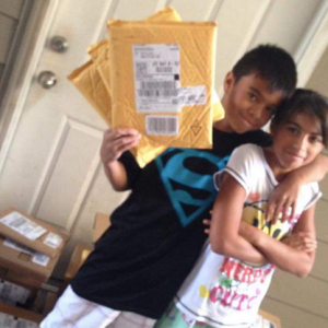 Mailman Finds Kid Reading Junk Mail Because He Can't Afford Books, What Happens Next Will Melt Your Heart