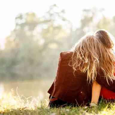 The Ten Commandments Of Long Distance Friendship