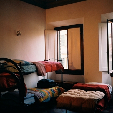 10 People You'll Probably Meet At A Hostel