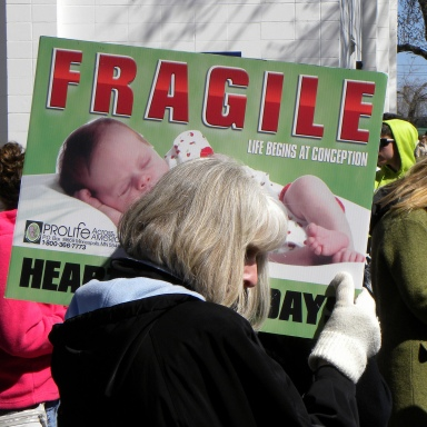 Dear Protesters Outside Of Planned Parenthood: I Don't Need Your Prayers