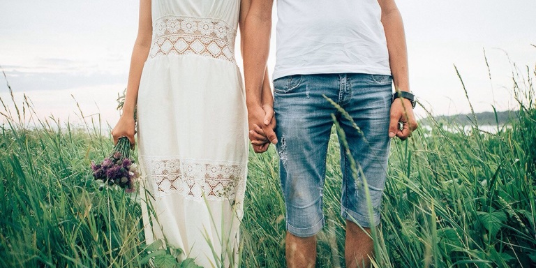 10 Reasons Every Healthy Couple Should Embrace PeriodSex