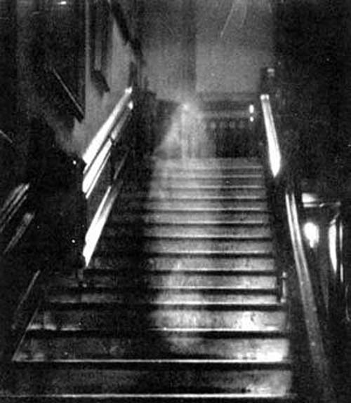 """The """"Brown Lady"""" of Raynham Hall. (Wikimedia Commons)"""