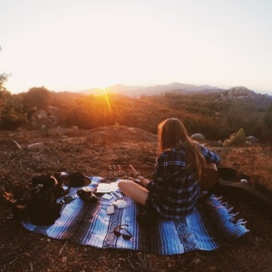 15 Struggles Only People Who Are In Relationships But Love Spending Time Alone Understand