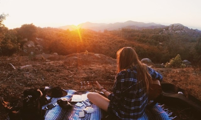 15 Struggles Only People Who Are In Relationships But Love Spending Time AloneUnderstand