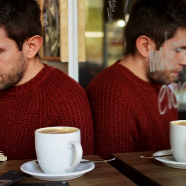 15 Subtly Sexy Things Guys Can Only Do In Fall