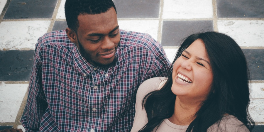 14 Telltale Signs You're Always Crushing On Someone (Even When You're In ARelationship)