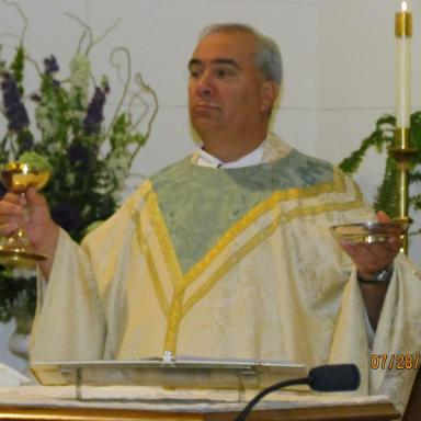 New Jersey Priest Allegedly Pulled Gun On Eight-Year-Old Boy Because He's A Dallas Cowboys Fan